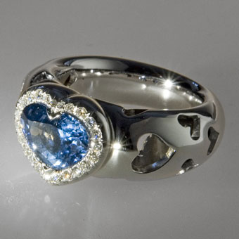 Russian jewellery: The ring.  White gold 750°, sapphire 3,78 ct, diamonds