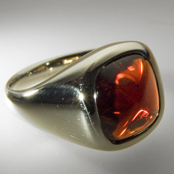 Russian jewellery: The Mail Ring. Gold 585°, garnet.