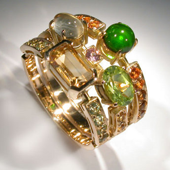 Gold, sapphires, beryls, smoky quartz, chrysolite