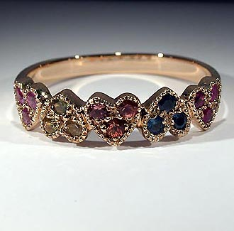 Jewellery: ring, gold, sapphires