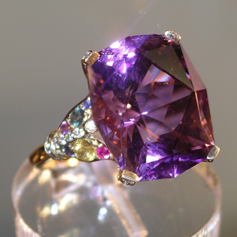 Ring, gold 750°, amethyste, sapphires, emerald, diamonds